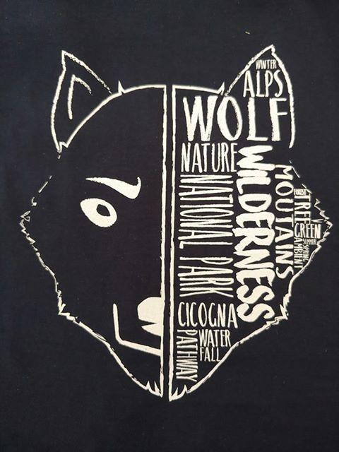 Le nostre esclusive magliette del lupo